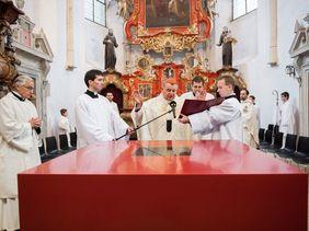 Monastery church Slaný - altar