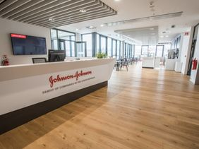 Johnson & Johnson, Prague, MECHANIKA 1