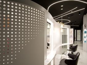 Yes Visage - Aesthetic medicine and plastic surgery clinic /Churchill II Complex, Prague