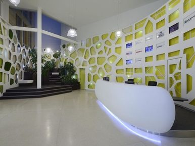 Longin Business Centrum Praha - reception, tiles